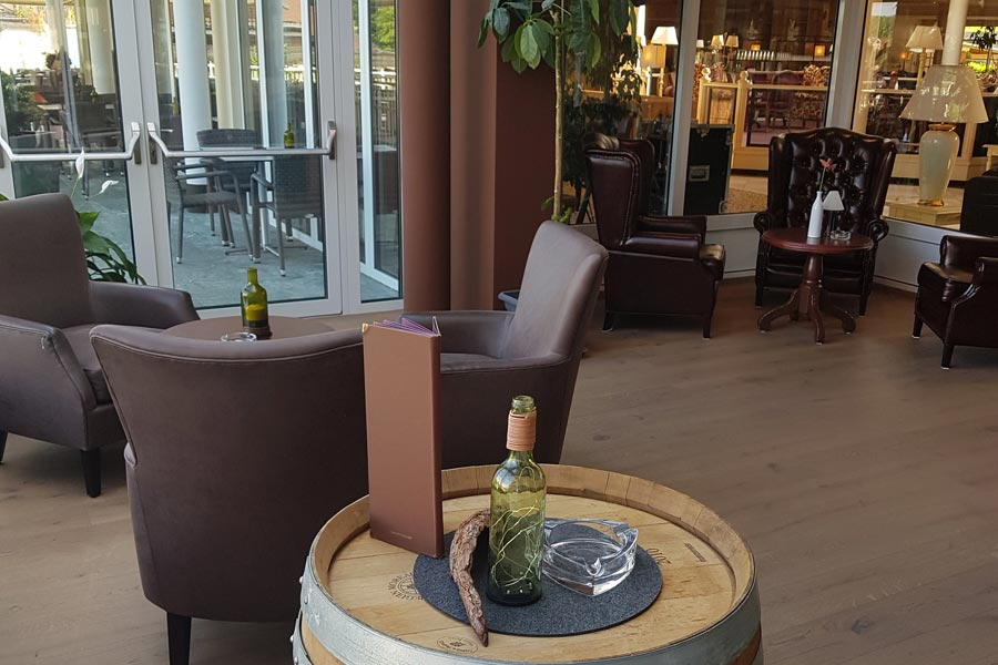 Hotel with smoker's lounge | Tobacco enjoyment with style